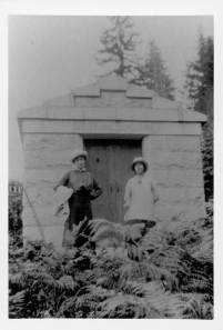 Tomb of Chief Joe Capilano ca. 1917