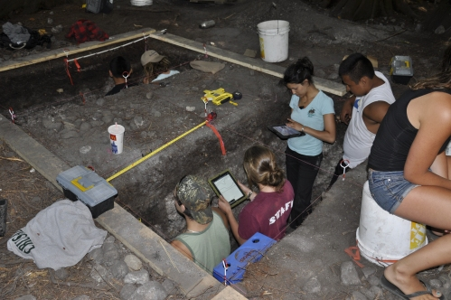 Archaeologists in shíshálh territory using iPads during excavation. Source: http://shishalharchaeology.wordpress.com/
